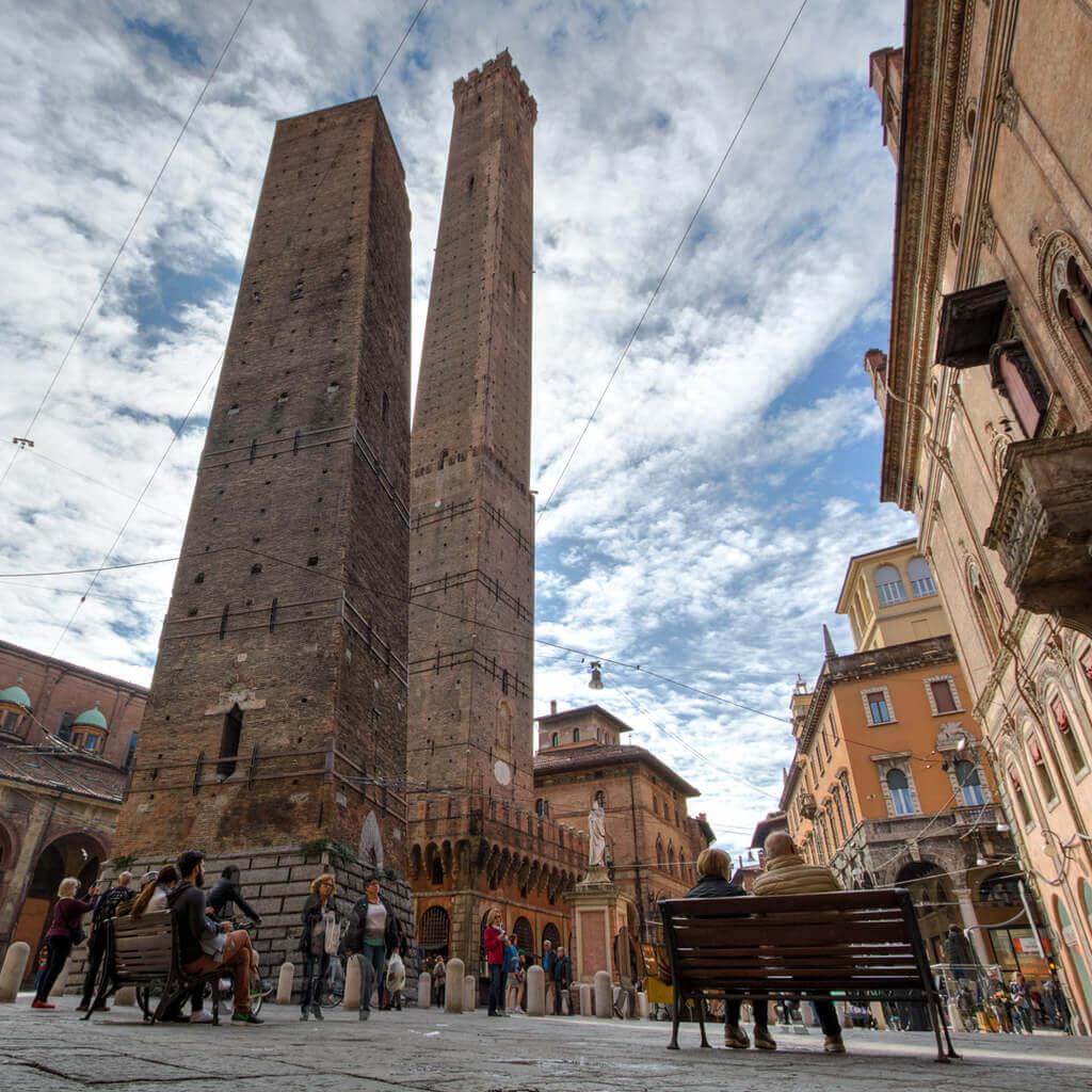 Duas torres de Bolonha