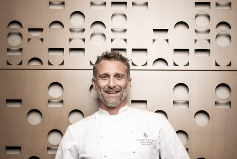 Paolo Lavezzini com o uniforme de chef da Four Season