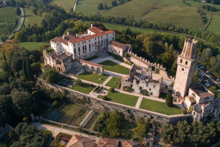 Vista aérea castelo de San Salvatore
