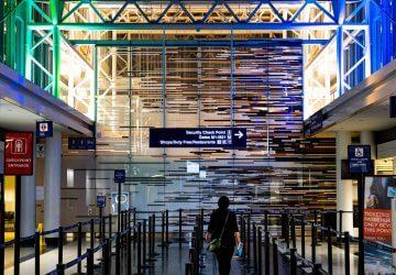 Painel voos no aeroporto